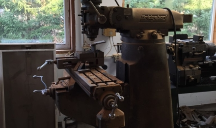 Brigeport milling machine
